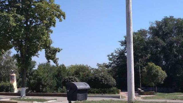 Название: Памятник Лампочке в Тирасполе.jpg Просмотры: 376  Размер: 83.2 Кб