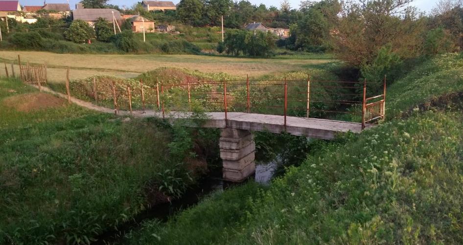 Название: Ручей Светлый - мостик в Суклее.jpg Просмотры: 261  Размер: 173.3 Кб