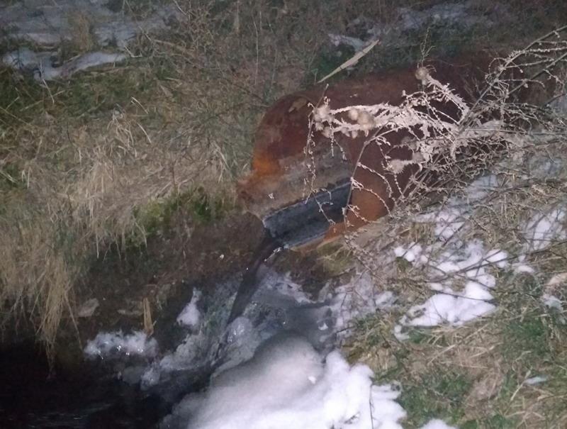 Название: Слив в ручей Светлый зимой.jpg Просмотры: 222  Размер: 146.7 Кб