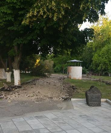 Нажмите на изображение для увеличения Название: восстановление тротуара возле ДК Ткаченко.jpg Просмотры: 253 Размер:123.4 Кб ID:22246