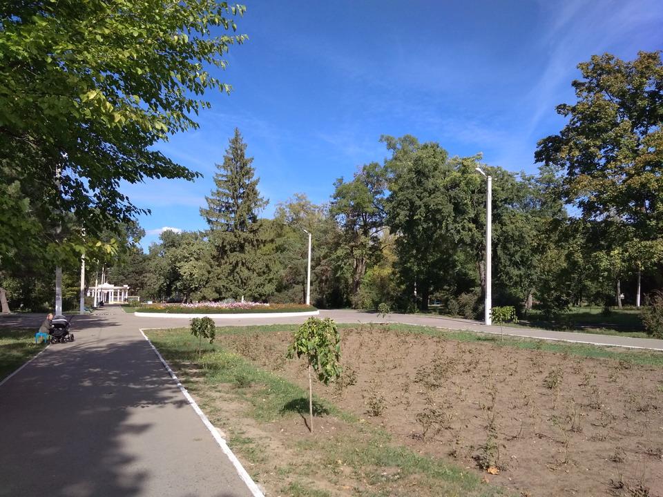 Название: Парк Горького - центральная аллея.jpg Просмотры: 105  Размер: 298.0 Кб