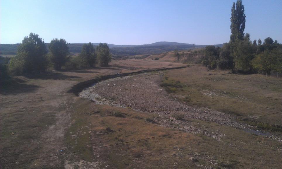 Название: Высохшая река в Румынии.jpg Просмотры: 238  Размер: 148.5 Кб