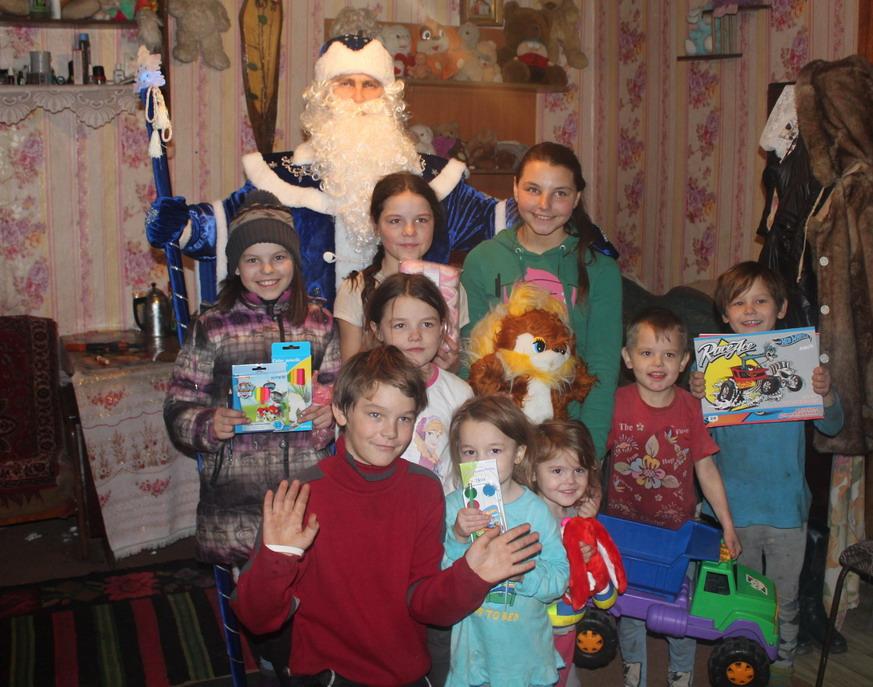 Название: Детмороз и дети в Слободзее.JPG Просмотры: 62  Размер: 203.4 Кб