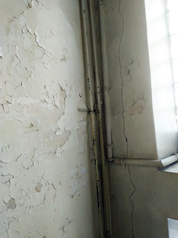 Название: НИИ Сельского хозяйства ПМР - трещина в стене.jpg Просмотры: 61  Размер: 177.2 Кб