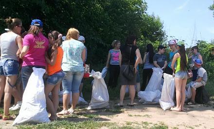 Нажмите на изображение для увеличения Название: Сбор мусора на Днестре.jpg Просмотры: 218 Размер:70.3 Кб ID:16116