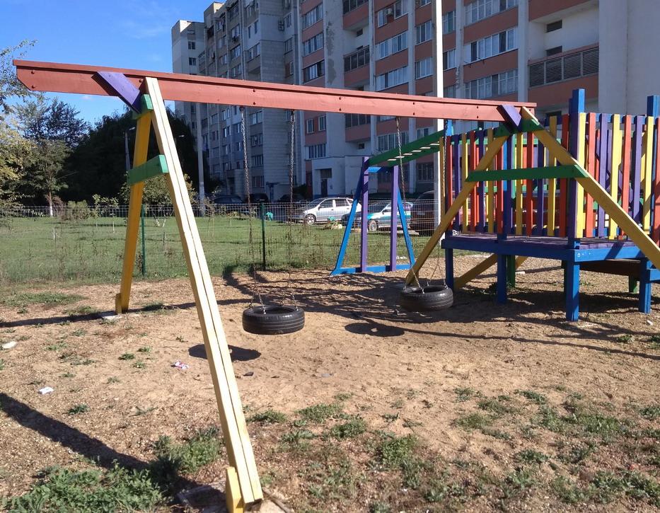 Название: Детская площадка - автопокрышки.jpg Просмотры: 88  Размер: 323.6 Кб