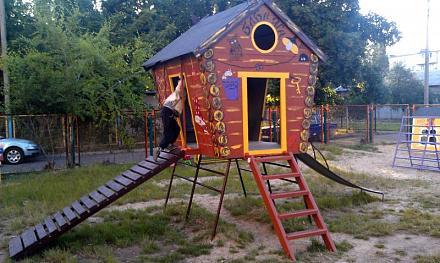Нажмите на изображение для увеличения Название: Новая детская площадка - домик Бабы-Еги.jpg Просмотры: 412 Размер:81.3 Кб ID:16123