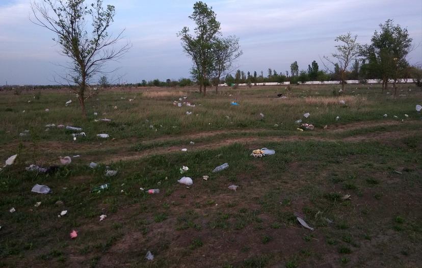 Название: Кладбище на Западном.jpg Просмотры: 256  Размер: 144.5 Кб