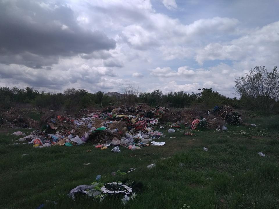 Название: Новое кладбище и свалка мусора - Тирасполь 2019.jpg Просмотры: 9  Размер: 175.6 Кб
