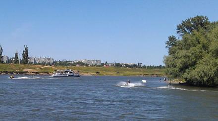 Нажмите на изображение для увеличения Название: Катания по реке на скутерах.jpg Просмотры: 361 Размер:45.7 Кб ID:16133