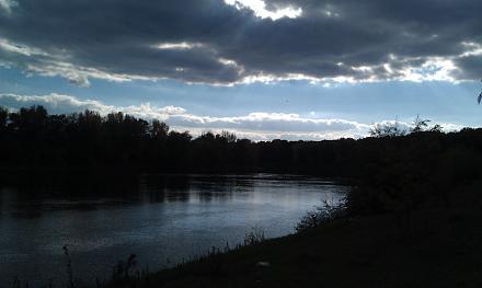 Нажмите на изображение для увеличения Название: Закат на Днестре осенью.jpg Просмотры: 312 Размер:47.1 Кб ID:17072