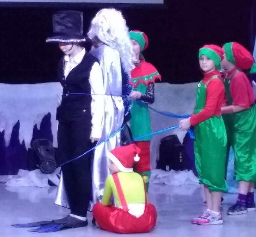 Название: Пингвин и дед мороз.jpg Просмотры: 54  Размер: 152.3 Кб