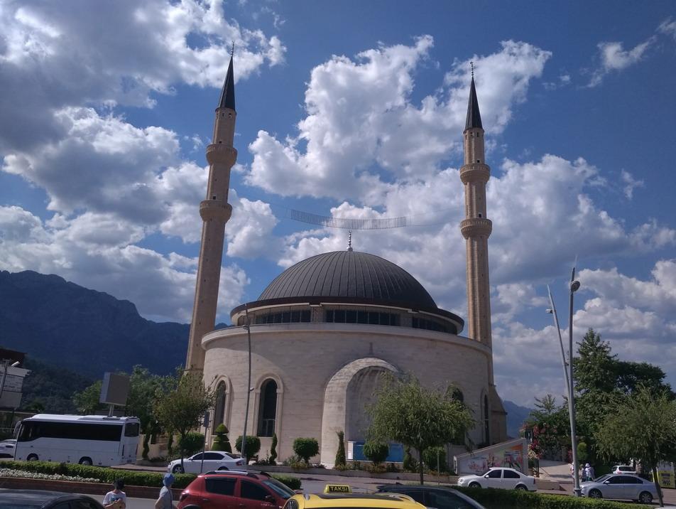 Название: Мечеть Кемер Хузур.jpg Просмотры: 514  Размер: 181.6 Кб