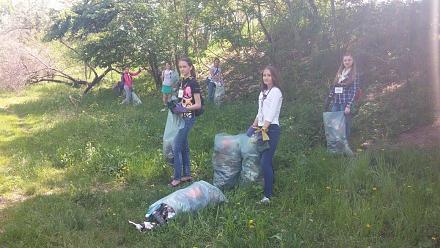Нажмите на изображение для увеличения Название: Девочки с  мусорными пакетами.jpg Просмотры: 302 Размер:113.4 Кб ID:21749