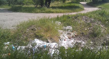 Нажмите на изображение для увеличения Название: Свалка мусора у берега - Субботник 20 мая.jpg Просмотры: 302 Размер:130.6 Кб ID:21983