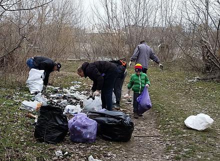 Нажмите на изображение для увеличения Название: Мальчик с пакетом мусора.jpg Просмотры: 254 Размер:285.4 Кб ID:21217