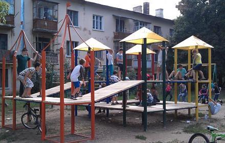 Нажмите на изображение для увеличения Название: Новая детская площадка на Красных казармах.jpg Просмотры: 617 Размер:81.0 Кб ID:14498