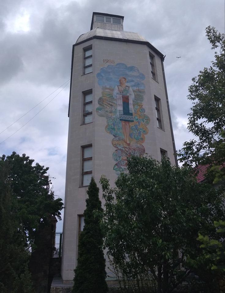 Название: Музей Бутылка в Терновке.jpg Просмотры: 754  Размер: 172.5 Кб