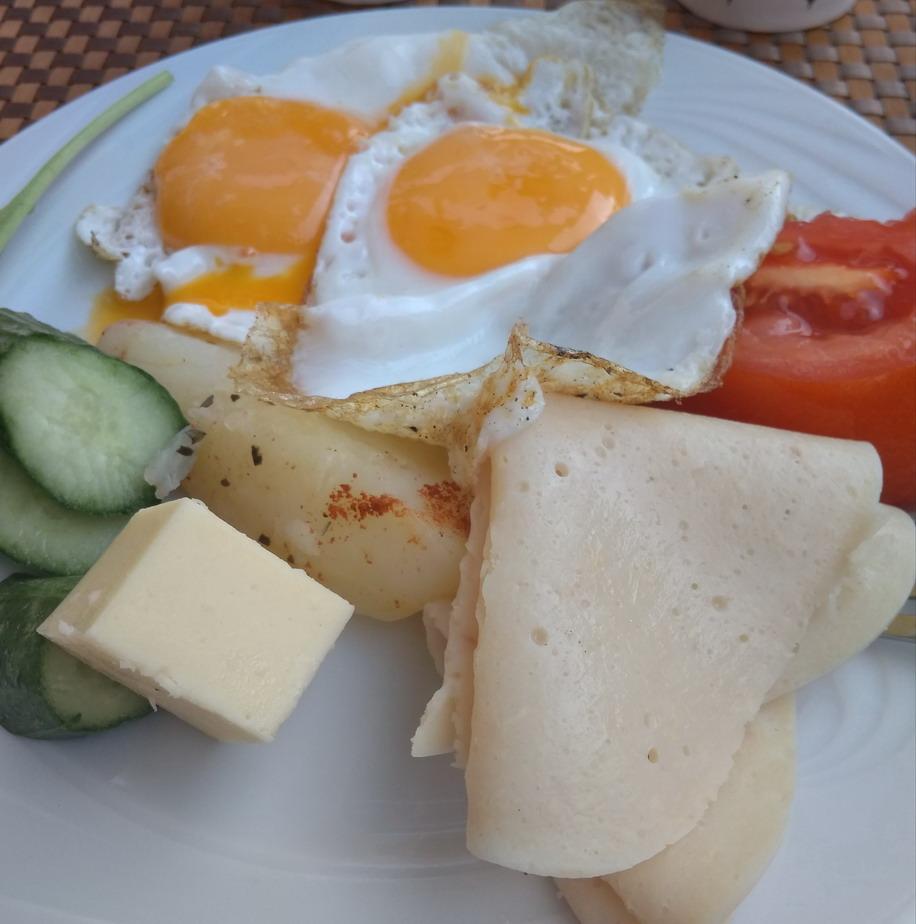Название: Завтрак в отеле Лимончелло.jpg Просмотры: 78  Размер: 143.9 Кб