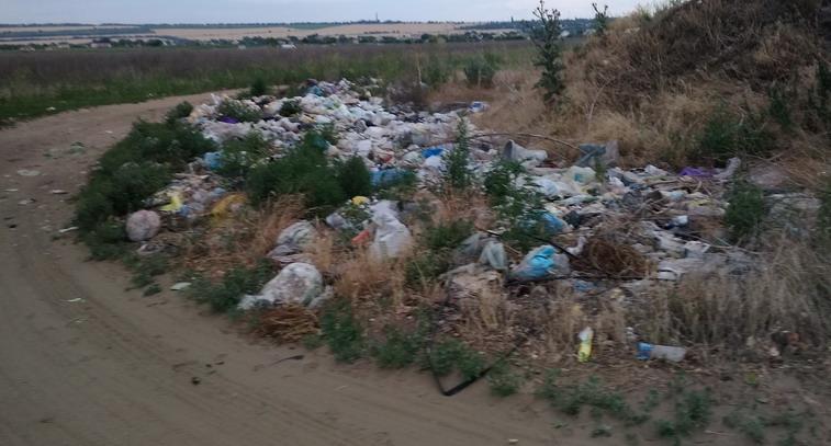 Название: Свалка мусора в Кицканах.jpg Просмотры: 610  Размер: 102.8 Кб
