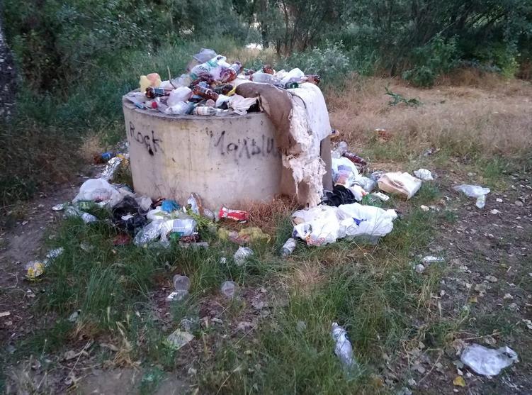 Название: мусоросборник за тираспольским городским пляжем.jpg Просмотры: 251  Размер: 192.2 Кб