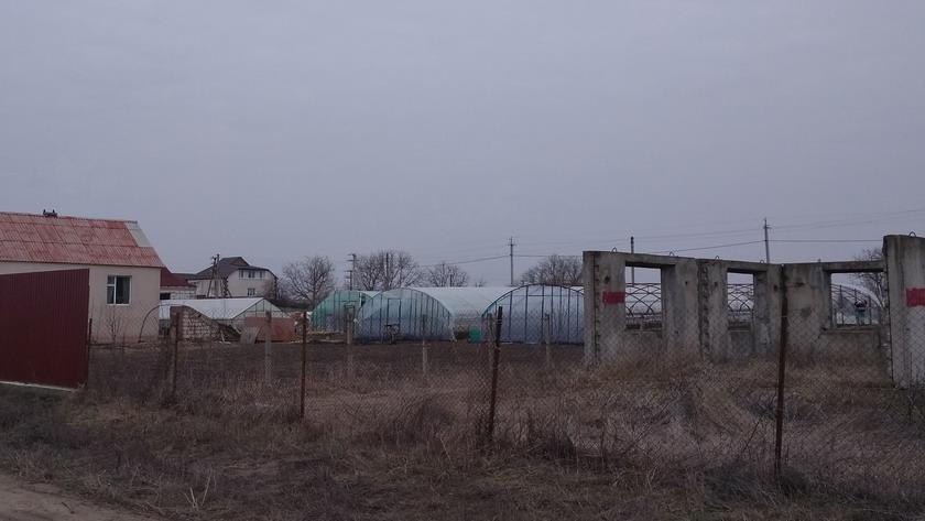 Название: Теплицы на окраине села.jpg Просмотры: 767  Размер: 89.6 Кб