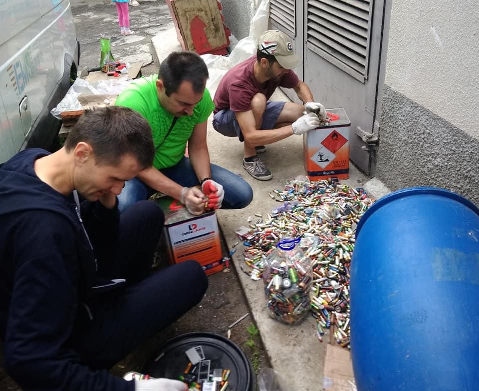 Название: Волонтеры Приднестровья 2019.jpg Просмотры: 137  Размер: 95.2 Кб