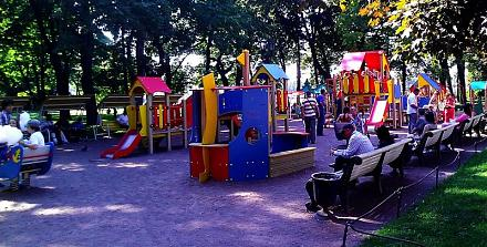 Нажмите на изображение для увеличения Название: Детская площадка у Исакиевского собора.jpg Просмотры: 360 Размер:100.8 Кб ID:13992