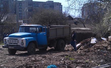 Нажмите на изображение для увеличения Название: Свалка мусора в Тирасполе.jpg Просмотры: 231 Размер:80.1 Кб ID:15870