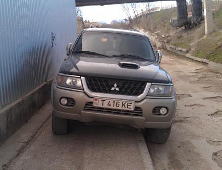 Нажмите на изображение для увеличения Название: Припаркованный джип.jpg Просмотры: 272 Размер:62.9 Кб ID:15722