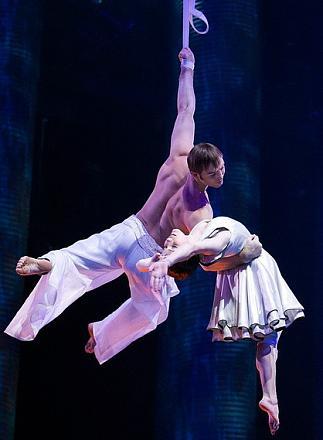 Нажмите на изображение для увеличения Название: Цирк дю Солей - Сказочный мир - кадры с фильма.jpg Просмотры: 362 Размер:75.6 Кб ID:11813