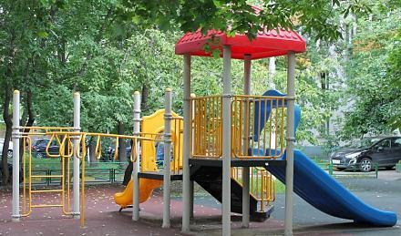 Нажмите на изображение для увеличения Название: Московская детская площадка.jpg Просмотры: 452 Размер:103.4 Кб ID:13965