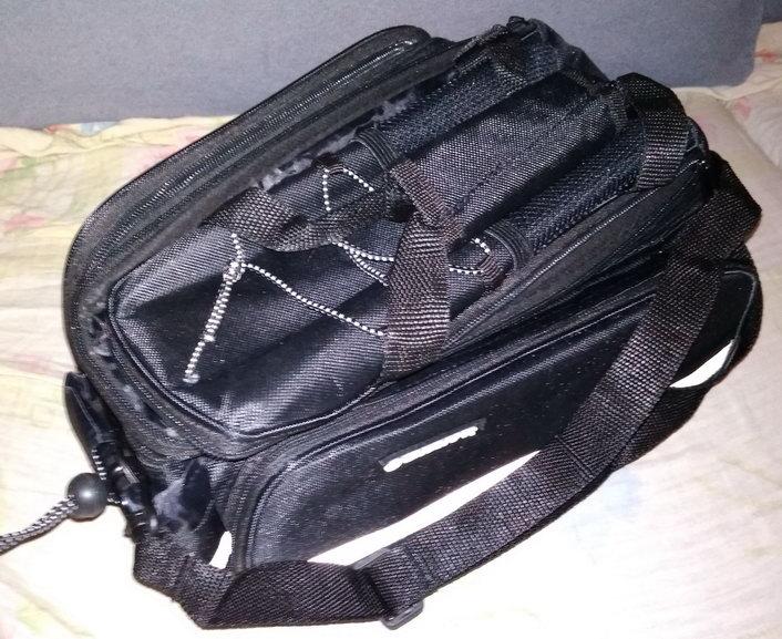 Название: Велосипедная сумка на багажник Giant.jpg Просмотры: 419  Размер: 120.7 Кб