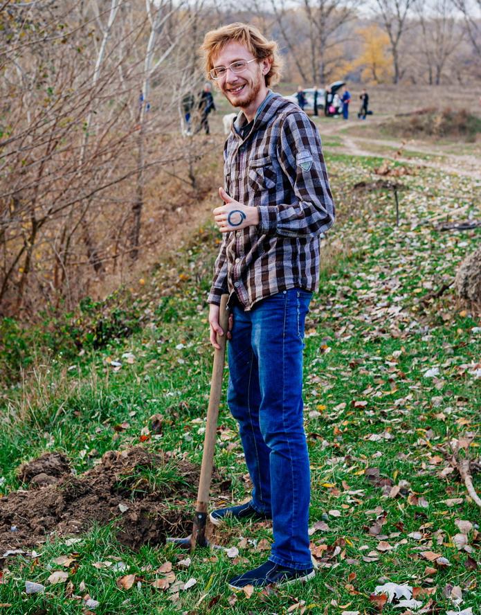 Название: Айтишник сажает дерево.jpg Просмотры: 5  Размер: 326.3 Кб