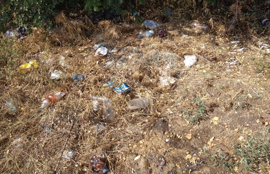 Название: Гаражи в Тирасполе - мусор в Приднестровье.jpg Просмотры: 87  Размер: 311.8 Кб