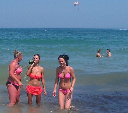 Нажмите на изображение для увеличения Название: Немки отдыхают на море в Болгарии.jpg Просмотры: 184 Размер:116.0 Кб ID:19049
