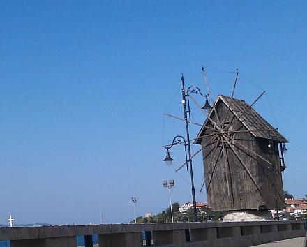 Нажмите на изображение для увеличения Название: Ветряная мельница старого города в Несебре.jpg Просмотры: 223 Размер:70.1 Кб ID:19112