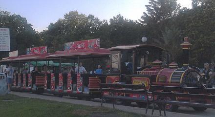 Нажмите на изображение для увеличения Название: Поезд для детей - набережная Золотые пески в Болгарии.jpg Просмотры: 162 Размер:71.2 Кб ID:19145