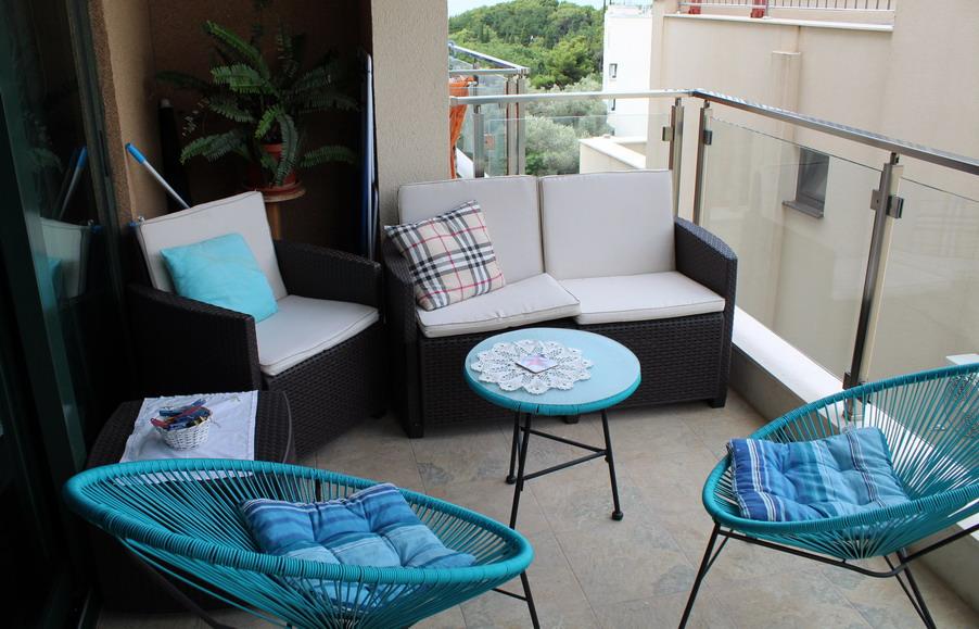 Название: Прожно Черногория - балкон в доме.JPG Просмотры: 219  Размер: 174.0 Кб