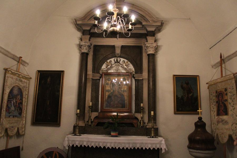 Название: Церковь Святого Иоанна в Будве изнутри.JPG Просмотры: 134  Размер: 147.2 Кб