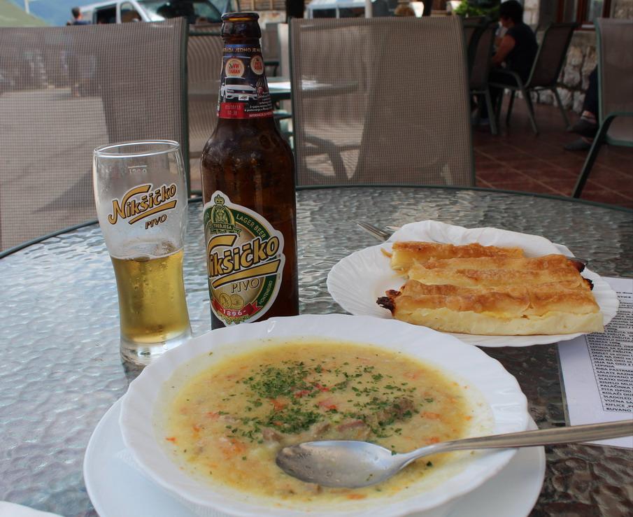 Название: Обед в кафе на мосту Джурджевича.JPG Просмотры: 590  Размер: 201.1 Кб