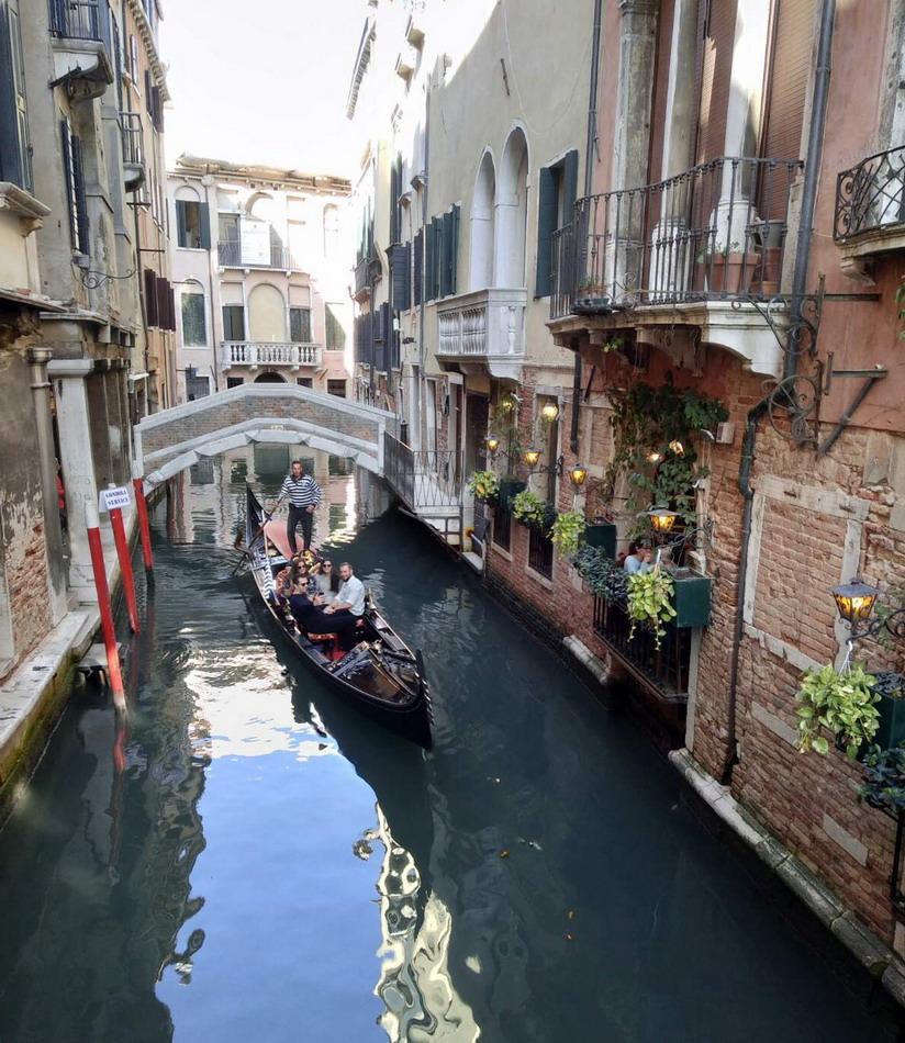 Название: Гондальера в Венеции.jpg Просмотры: 1529  Размер: 256.5 Кб