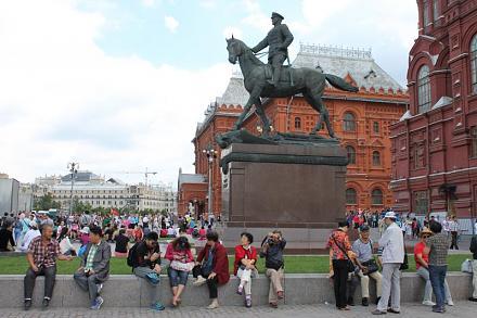 Нажмите на изображение для увеличения Название: Китайцы на красной площади.jpg Просмотры: 402 Размер:70.9 Кб ID:14237
