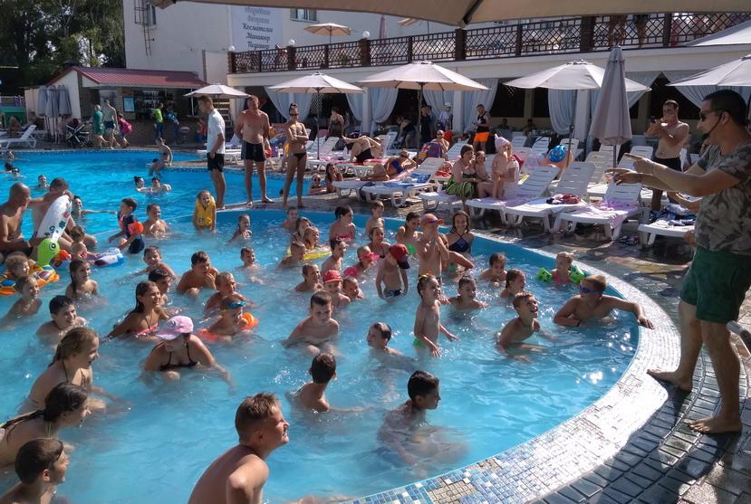 Название: Детский конкурс в бассейне Лайфстайл.jpg Просмотры: 253  Размер: 206.7 Кб