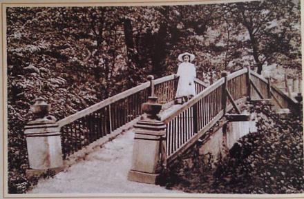 Нажмите на изображение для увеличения Название: Мостик в парке.jpg Просмотры: 625 Размер:78.9 Кб ID:16184