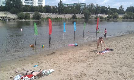Нажмите на изображение для увеличения Название: Ограждение на пляже в Тирасполе.jpg Просмотры: 328 Размер:96.2 Кб ID:22667
