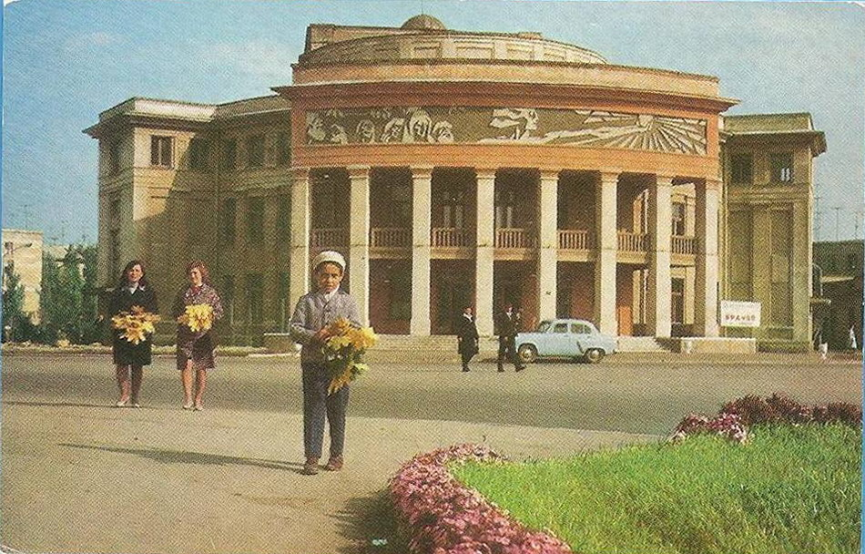 Название: Театр Аронецкой..jpg Просмотры: 23  Размер: 257.8 Кб