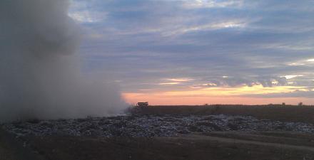 Нажмите на изображение для увеличения Название: Полигон с мусором - пожар.jpg Просмотры: 187 Размер:35.9 Кб ID:22456