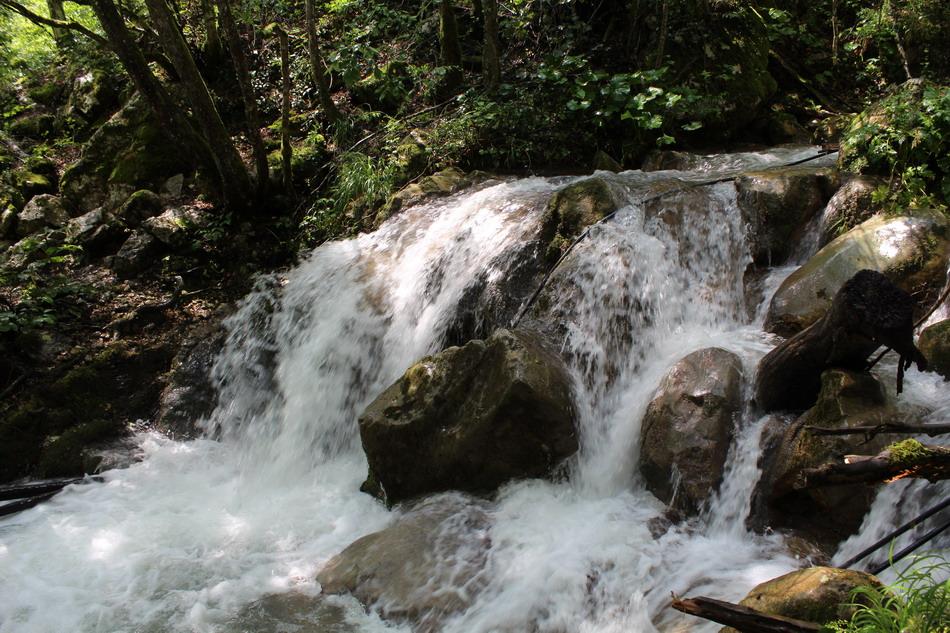Название: Ручьи при дожде в Черногории.JPG Просмотры: 392  Размер: 262.6 Кб