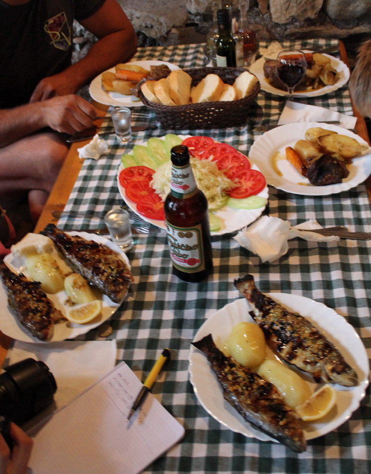 Название: Обед на рафтинге в Черногории.JPG Просмотры: 379  Размер: 221.3 Кб